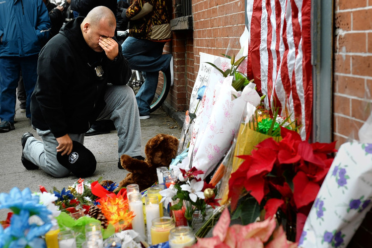 Killings of New York Police Officers Spark Backlash to Protests  12/22/14