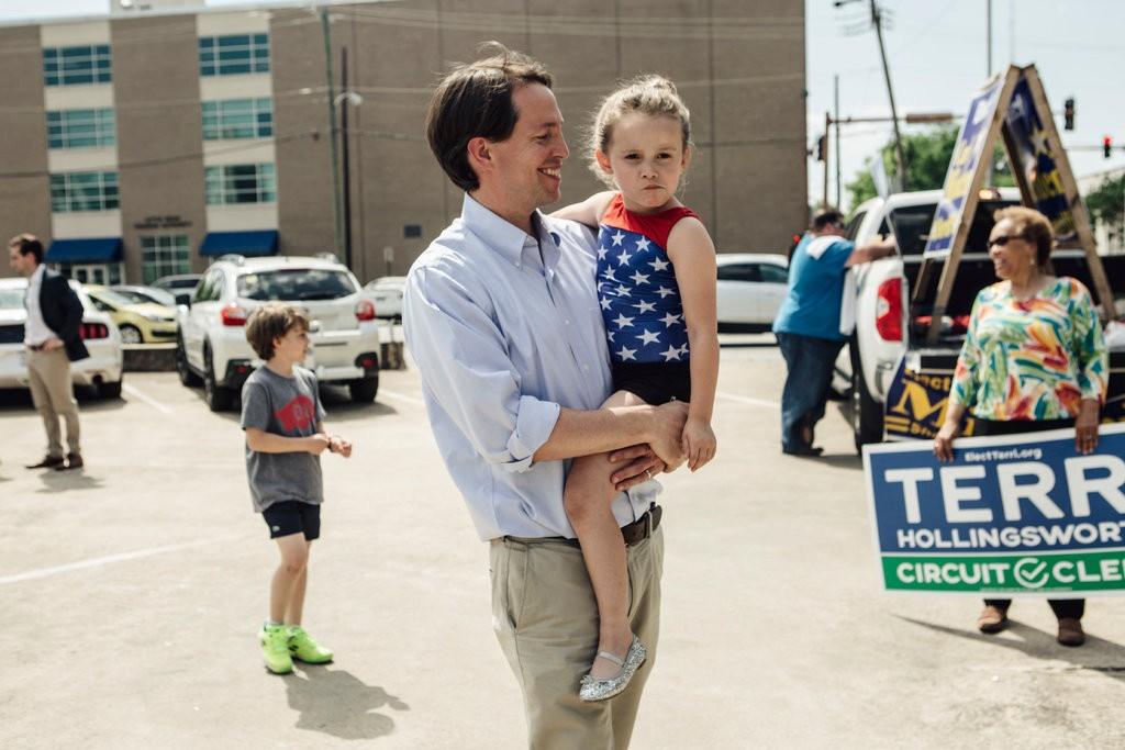 Democrats Embrace Moderates in House Bids, Vexing Liberals  5/13/18